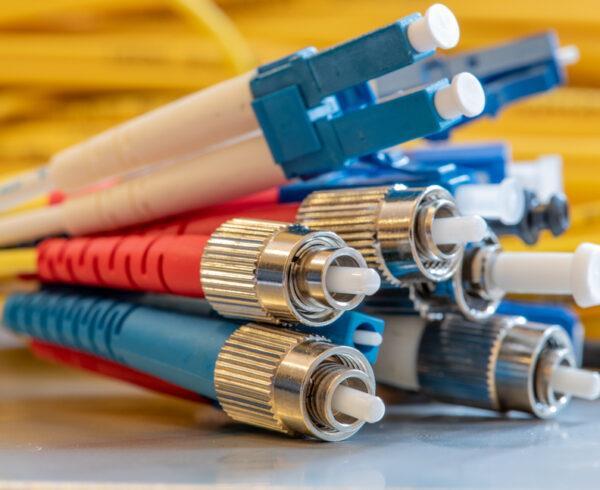 diferentes tipos de conectores ópticos